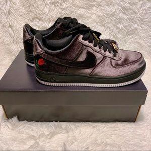 Nike Air Force 1 '07 QS Black Velvet Rose